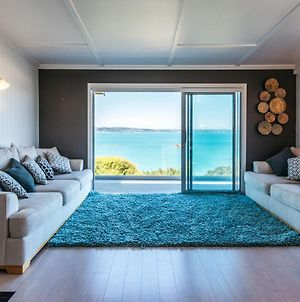 Rocky Bay Luxury Escape - Waiheke Holiday Home photos Exterior