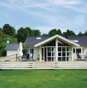 Three Bedroom Holiday Home In Hejls photos Exterior