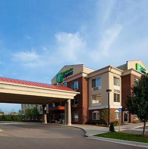 Holiday Inn Express Hotel & Suites Detroit - Farmington Hills photos Exterior