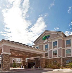Holiday Inn Express Hotel And Suites Ada photos Exterior