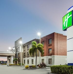 Holiday Inn Express Hotel & Suites Clewiston, An Ihg Hotel photos Exterior