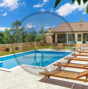 Stunning Home In Knin W/ Outdoor Swimming Pool And 3 Bedrooms photos Exterior