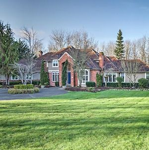 Luxurious Home W/ 1.7 Acres By Redmond & Bellevue! photos Exterior