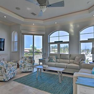 Townhome Located 200 Steps To A Locals-Only Beach! photos Exterior