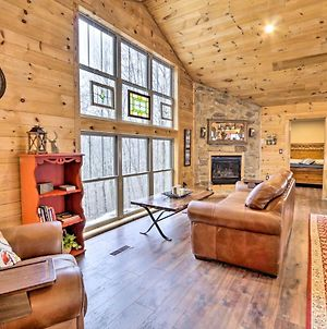 Butler Cabin On 19 Acres With Hot Tub And Fire Pit! photos Exterior
