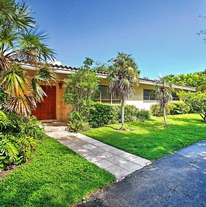 Lovely Home With Pool In Upscale Pinecrest Village! photos Exterior