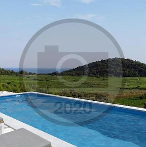 Awesome Home In Smokvica W/ Outdoor Swimming Pool, Wifi And 2 Bedrooms photos Exterior