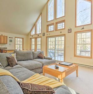 Pocono Bliss With Fireplace, 13Mi To Jack Frost Ski! photos Exterior
