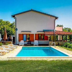 Stunning Home In Krk W/ Outdoor Swimming Pool, Wifi And 4 Bedrooms photos Exterior