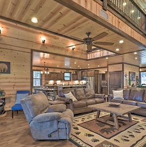 Luxe 'Great Bear Lodge' With Spa, Fire Pit, And Views! photos Exterior