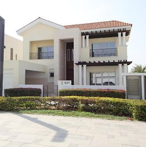 Brand New 4 Bedroom Villa- District One Meydan, Dubai photos Exterior