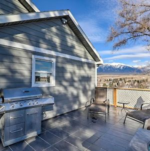Updated Mountain-View Getaway With Private Hot Tub! photos Exterior