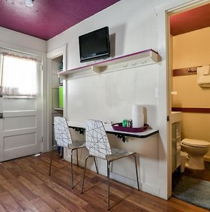 Lodge 4 - Downtown Location. Studio With Shared Hot Tub. Minutes To Arches N.P. photos Exterior