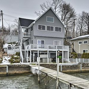 Waterfront Home With Hot Tub & Kayaks & Dock! photos Exterior