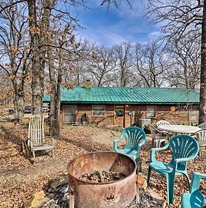 Peaceful Hidden Oaks Real Log Home 1Mi To Lake! photos Exterior