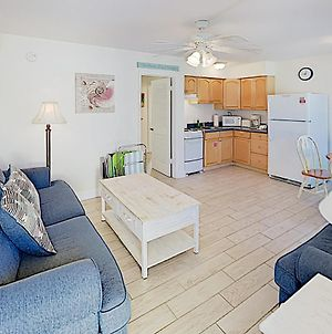 New Listing! Peaceful Retreat On Siesta Key Beach Apts photos Exterior