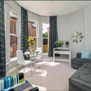 Luxurious Nottingham Apt With Parking, 10 Mins From City Centre photos Exterior