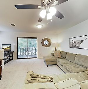 New Listing! Hill Country Getaway With Large Balcony Apts photos Exterior