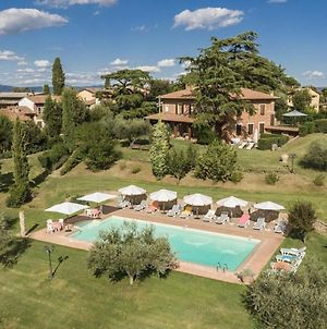 Spacious Holiday Home In Castiglione Del Lago With Pool Vr photos Exterior