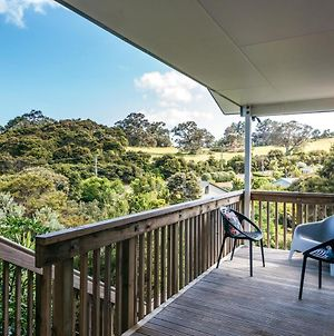 Treetop Retreat - Onetangi Holiday Home photos Exterior