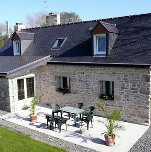 Warm Holiday Home At Plozevet Brittany With Lawn photos Exterior
