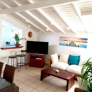 House With 2 Bedrooms In Le Gosier With Enclosed Garden And Wifi 3 Km From The Beach photos Exterior