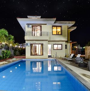 The Grand Luxurious With Biggest Pool By Lifeline Villas photos Exterior