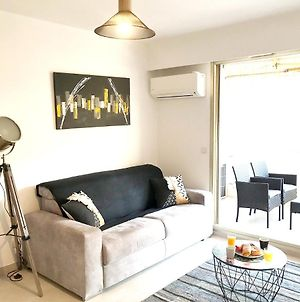 Apartment With One Bedroom In Antibes With Wonderful City View Furnished Terrace And Wifi 550 M From The Beach photos Exterior