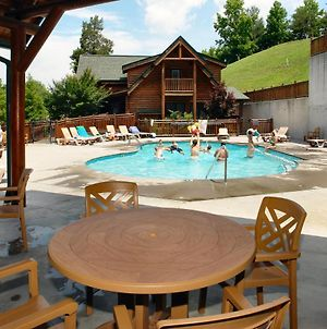 Poolside Retreat #221 By Aunt Bug'S Cabin Rentals photos Exterior