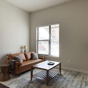 Trendy Plaza 2Br With Free Parking By Zencity photos Exterior