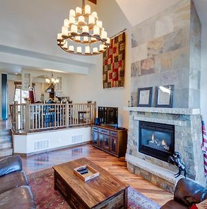Free Activities Daily, Wifi & Shuttle - Downtown Luxury Chalet #1240 Near Resort With Hot Tub photos Exterior