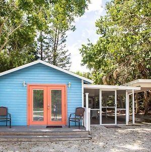 Baywatch Cabana Pet Friendly With Dock On Captiva Cottage photos Exterior