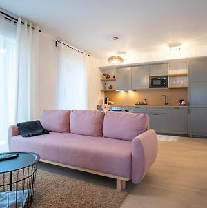 Dream Stay - Brand New Apartment With Balcony & Free Parking photos Exterior