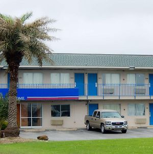 Motel 6 Clute Tx photos Exterior