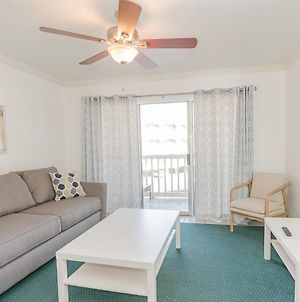 Available Mardi Gras , Updated Beachfront Condo photos Exterior