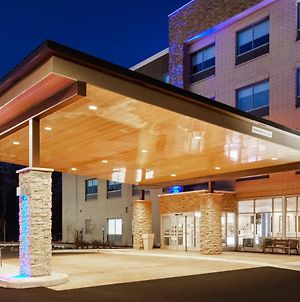 Holiday Inn Express & Suites Chicago North Shore - Niles, An Ihg Hotel photos Exterior