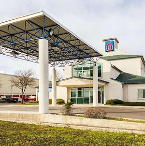 Motel 6 San Antonio - Sea World North photos Exterior