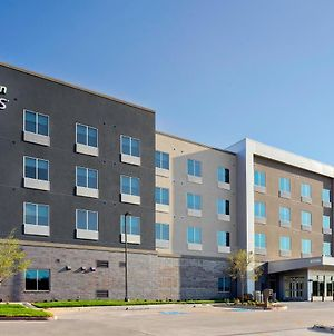 Holiday Inn Express & Suites Lubbock Central - Univ Area photos Exterior