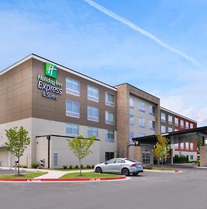 Holiday Inn Express & Suites Siloam Springs photos Exterior