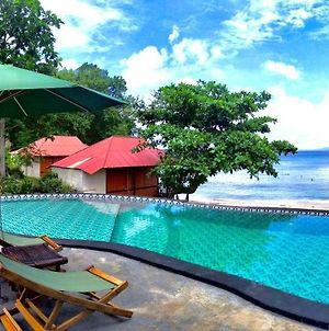 Mc Bunaken Padi Dive Resort photos Exterior