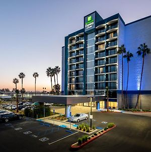 Holiday Inn Express & Suites Santa Ana - Orange County, An Ihg Hotel photos Exterior