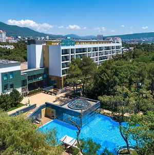 Primorie Grand Resort Hotel 5* photos Exterior