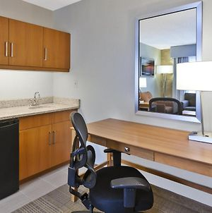 Holiday Inn Hotel & Suites Bolingbrook, An Ihg Hotel photos Room