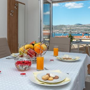 Amazing 2 Bedroom Apartment With A Sea View photos Exterior