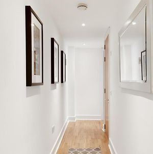 Bright 2-Bed/2 Bath Apartment In A Brand New Development photos Exterior