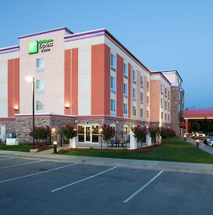 Holiday Inn Express Tulsa South Bixby photos Exterior
