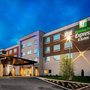 Holiday Inn Express & Suites - Madison, An Ihg Hotel photos Exterior