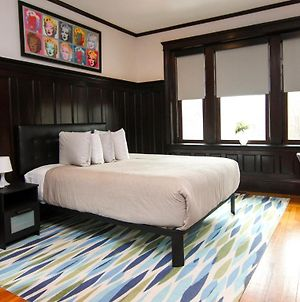 A Stylish Stay W/ A Queen Bed, Heated Floors.. #17 photos Exterior