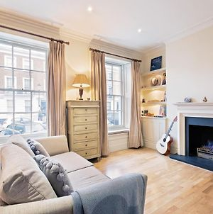 Charming 1 Bed In Chelsea + Fireplace photos Exterior