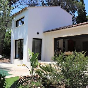 Lavish Holiday Home In Frejus With Private Swimming Pool photos Room